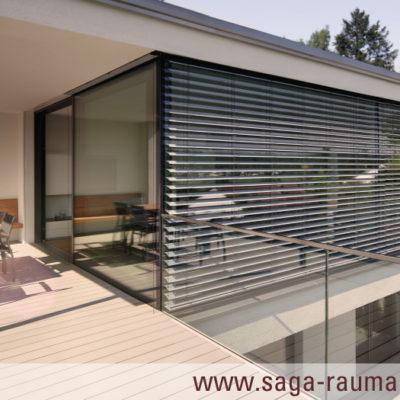 Tageslicht in Gebäuden: Viel Licht bei flexibler Verschattung / SAGA Raumausstattung ist einer der größten Markisen- & Pergola-Experte in Aschaffenburg und Umkreis