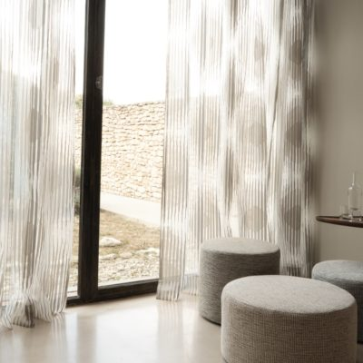 Gardinen | SAGA Raumausstattung ist Spezialist für Gardinen, Bodenbelag, Sonnenschutz, Markisen, Pergola, Rolladen, Insektenschutz und Wasserschaden in Aschaffenburg
