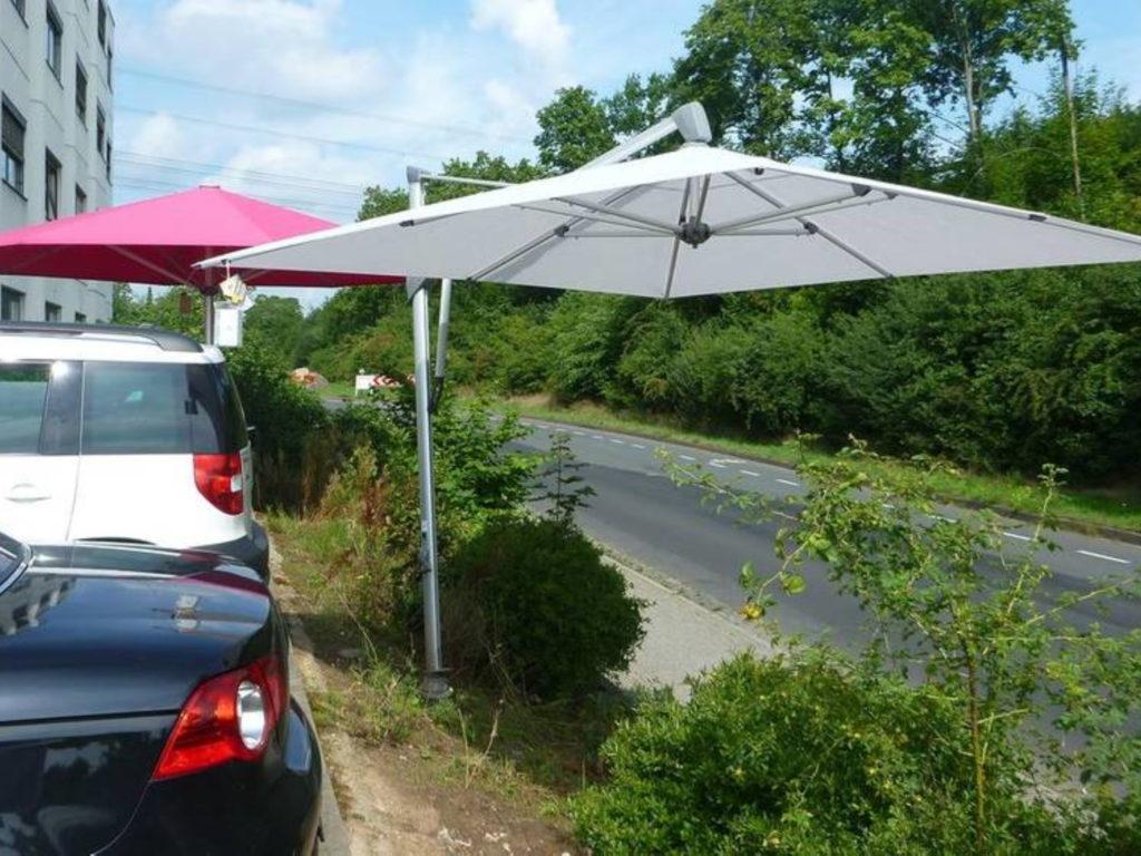 Sonnenschirme weiss | SAGA Raumausstattung Aschaffenburg | Gardinen, Bodenbelag, Sonnenschutz, Pergola, Rolladen, Insektenschutz und Wasserschaden