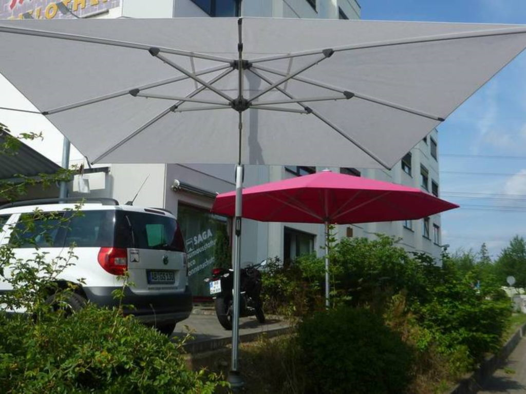 Sonnenschirme loft parkplatz | SAGA Raumausstattung Aschaffenburg | Gardinen, Bodenbelag, Sonnenschutz, Pergola, Rolladen, Insektenschutz und Wasserschaden