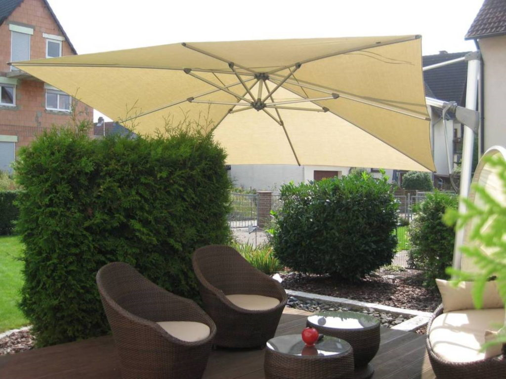 Sonnenschirme beige | SAGA Raumausstattung Aschaffenburg | Gardinen, Bodenbelag, Sonnenschutz, Pergola, Rolladen, Insektenschutz und Wasserschaden