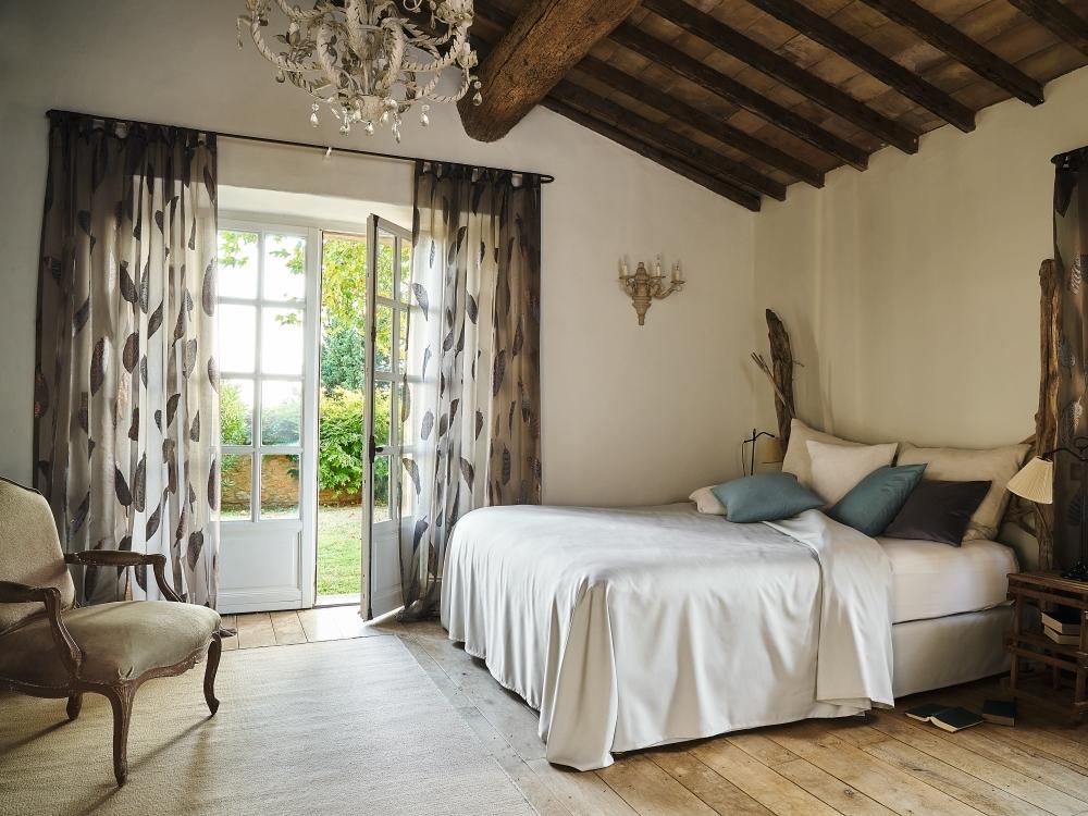 Vorhänge   SAGA Raumausstattung ist Spezialist für Gardinen, Bodenbelag, Sonnenschutz, Markisen, Pergola, Rolladen, Insektenschutz und Wasserschaden in Aschaffenburg