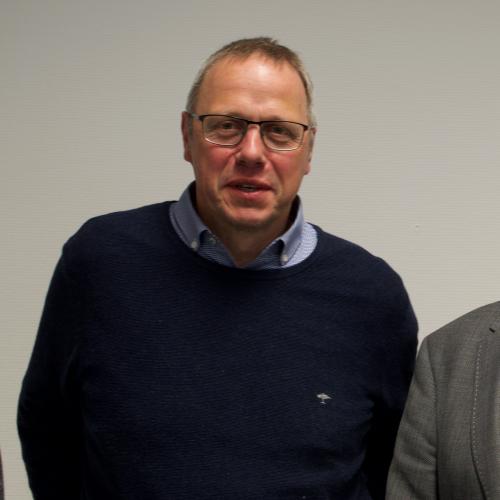Herr Christian Smetana | SAGA ist seit 50 Jahren Spezialist für Gardinen, Bodenbelag, Sonnenschutz, Sonnensegel, Markisen, Pergola, Rolladen, Insektenschutz, Wasserschaden, Renovierung und Raumausstattung in Aschaffenburg