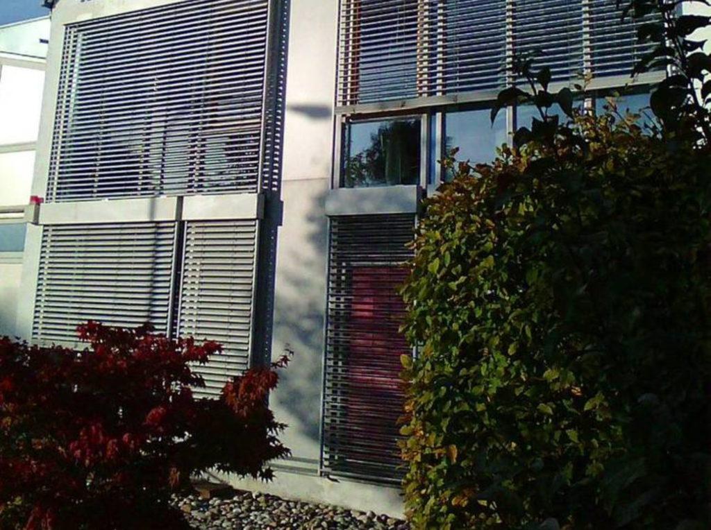 Raffstore geschäft | SAGA Raumausstattung Aschaffenburg | Gardinen, Bodenbelag, Sonnenschutz, Pergola, Rolladen, Insektenschutz und Wasserschaden