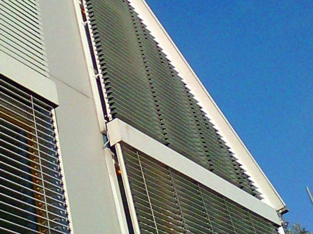 Raffstore Wand Haus Loft | SAGA Raumausstattung Aschaffenburg | Gardinen, Bodenbelag, Sonnenschutz, Pergola, Rolladen, Insektenschutz und Wasserschaden