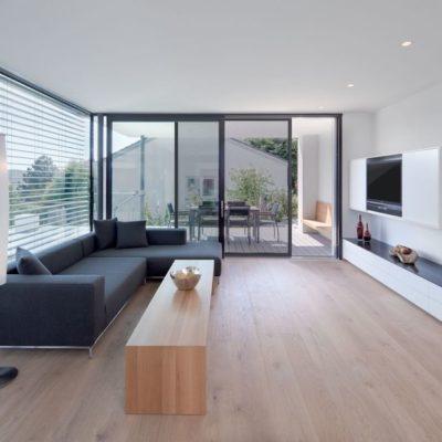 Wohnzimmer | SAGA Raumausstattung ist seit 50 Jahren Spezialist für Gardinen, Bodenbelag, Sonnenschutz, Sonnensegel, Markisen, Pergola, Rolladen, Insektenschutz, Renovierung und Wasserschaden in Aschaffenburg