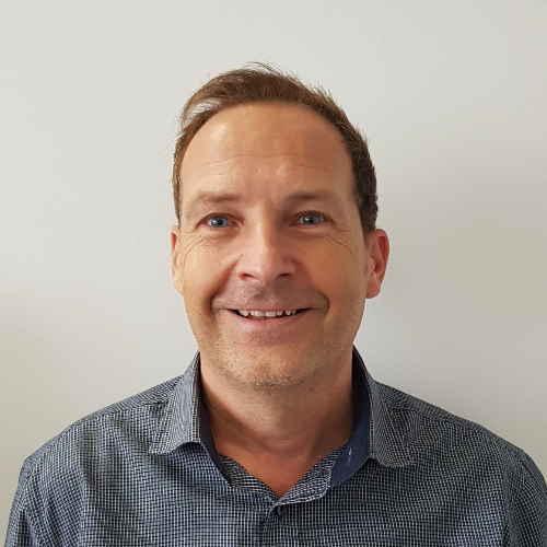 Herr Arndt Köhlich | SAGA ist seit 50 Jahren Spezialist für Gardinen, Bodenbelag, Sonnenschutz, Sonnensegel, Markisen, Pergola, Rolladen, Insektenschutz, Wasserschaden, Renovierung und Raumausstattung in Aschaffenburg