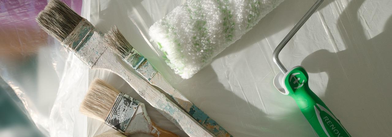 Malerarbeiten | SAGA ist seit 50 Jahren Spezialist für Gardinen, Bodenbelag, Sonnenschutz, Sonnensegel, Markisen, Pergola, Rolladen, Insektenschutz, Wasserschaden, Renovierung und Raumausstattung in Aschaffenburg